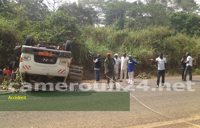 cameroun cameroun faits divers yaounde obala highway 13 people perish in ghastly accident. Black Bedroom Furniture Sets. Home Design Ideas